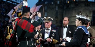 Prince Charles and Prince William attend the Royal Edinburgh Military Tattoo in Scotland Photo C GETTY IMAGES