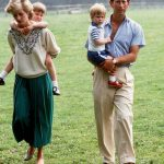 Prince Charles and Princess Diana with Prince William and Prince Harry at home Photo C GETTY IMAGES
