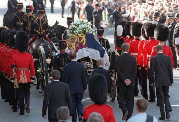 Princess Diana's coffin with the Welsh Guard Photo (C) EPA