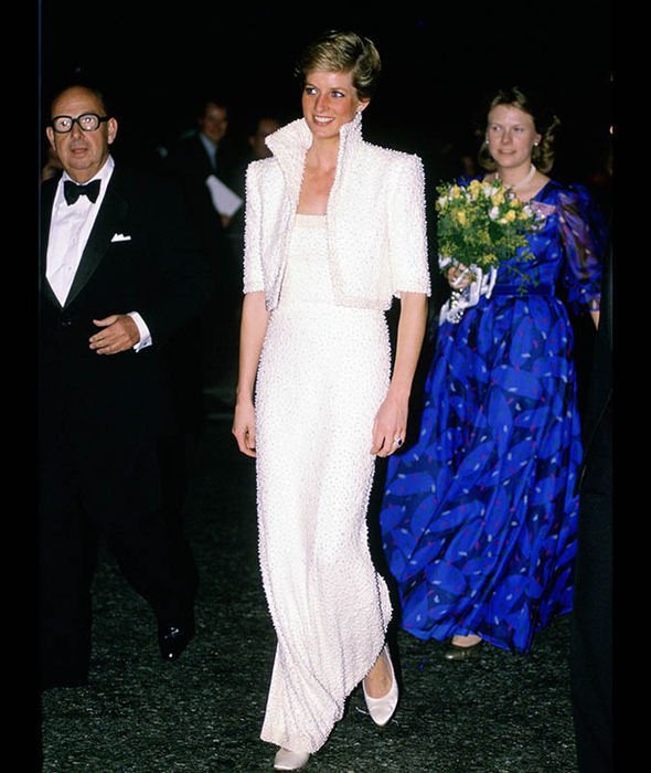 Princess Diana at the British Fashion Awards at the Royal Albert Hall Photo (C) GETTY