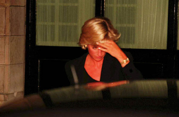 Princess Diana tried to get away in an unmarked Mercedes Photo (C) PA