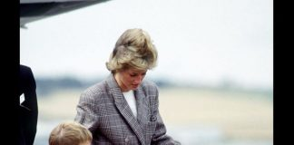 Princess Diana with her sons Prince William and Prince Harry at Aberdeen airport. August 14, 1989 Photo (C) GETTY