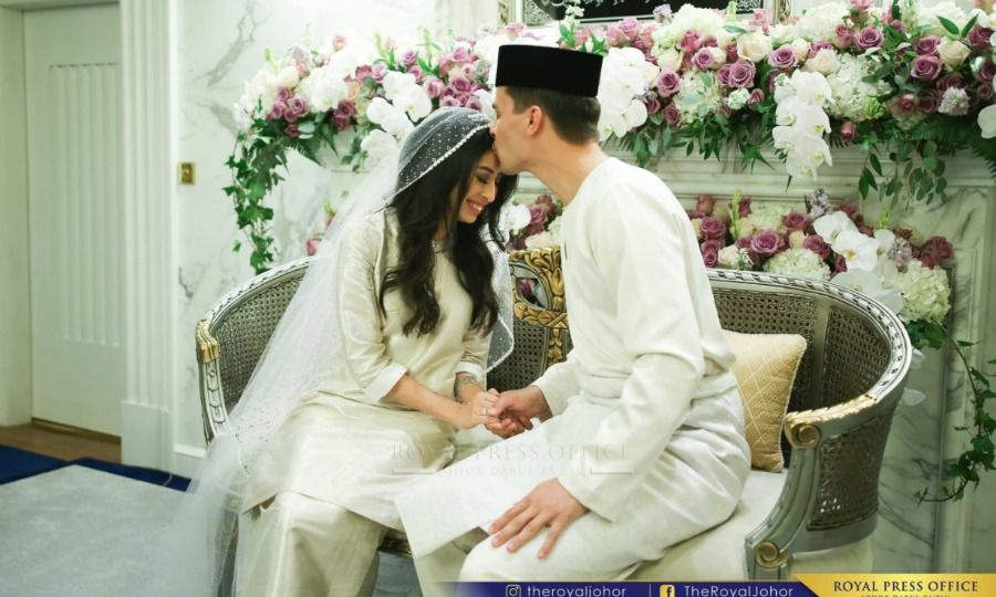 The Princess of Johor and her groom had two traditional wedding ceremonies Photo (C) Facebook, The Royal Johor