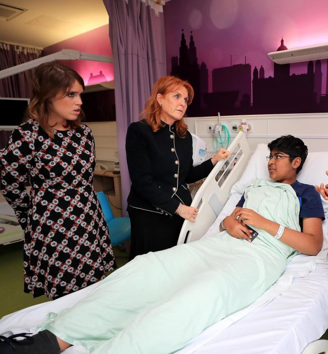 Eugenie and Sarah visited the Alder Hey Hospital in Liverpool Photo (C) GETTY IMAGES