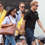 Prince Harry and Meghan Markle arrived hand-in-hand at the Invictus Games Photo (C) GETTY IMAGES