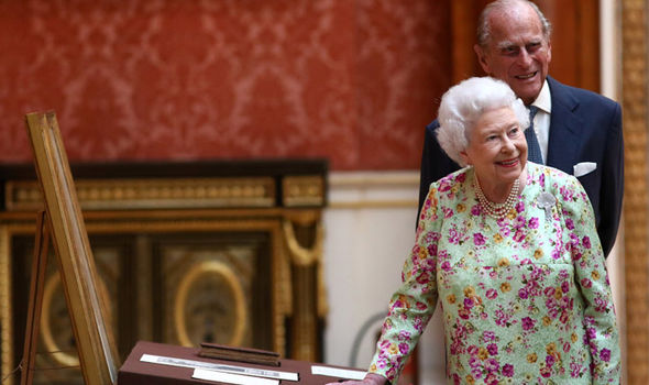 The Queen lives in Buckingham Palace and hosts foreign royalty and diplomats there Photo (C) GETTY