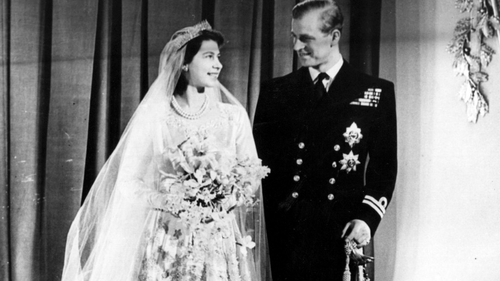 These are the perfumes Kate Middleton Princess Diana and the Queen wore on their wedding days Photo C GETTY