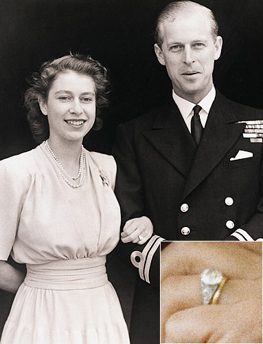Queen Elizabeth received a square-cut diamond engagement ring with diamond Photo (C) GETTY