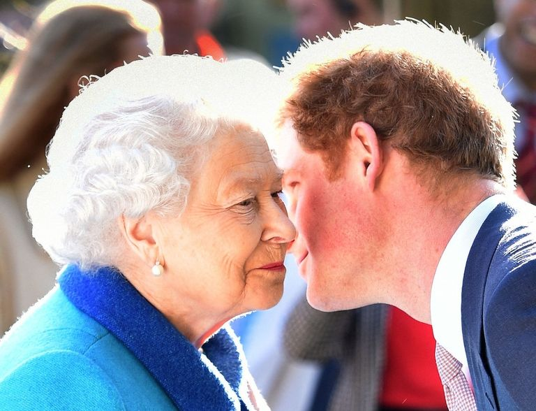 THE QUEEN IS DELIGHTED BY HARRYS RELATIONSHIP WITH MARKLE Photo C GETTY