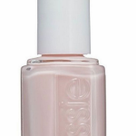 The Queen and the Duchess of Cambridge wear this nail polish Essie