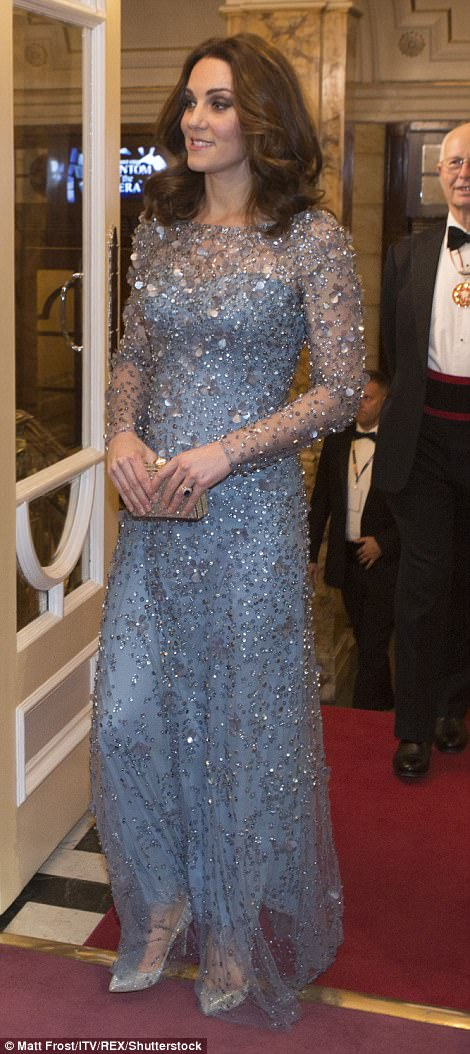Kate looked elegant as she arrived at the 105th Royal Variety Performance in her floor length blue dress