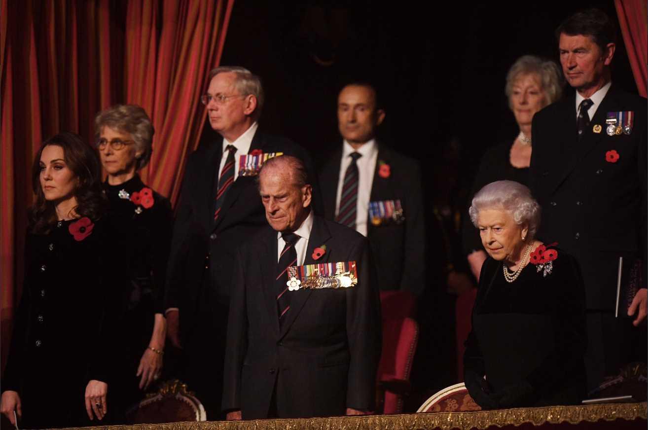 Catherine Duchess of Cambridge, Queen Elizabeth II, Prince Phliip, Prince Andrew Photo (C) TWITTER