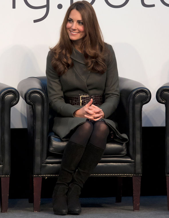 Kate Middleton, the Duchess of Cambridge, will even sit like this when wearing tights Photo (C) GETTY IMAGES