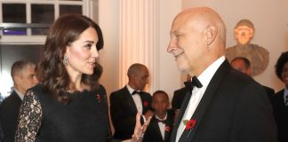 Kate Middleton wearing the Queen's bracelet at the Anna Freud gala in London on Nov. 7, 2017 Photo (C) SHUTTERSTOCK, AP