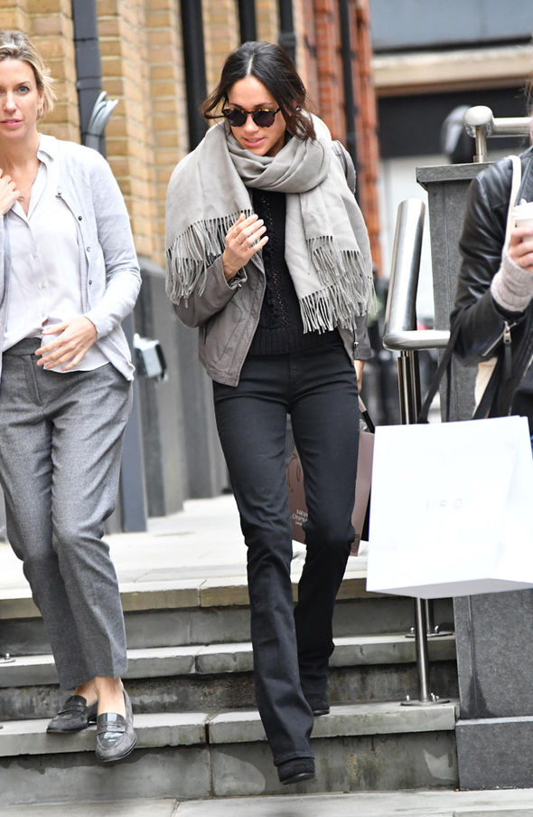Meghan Markle spotted in London Prince Harry's girlfriend was shopping in swimwear shop Heidi Klein Photo (C) LDNPIX MEGA