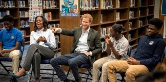 Prince Harry and Michelle Obama Photo (C) TWITTER KENSINGTON PALACE