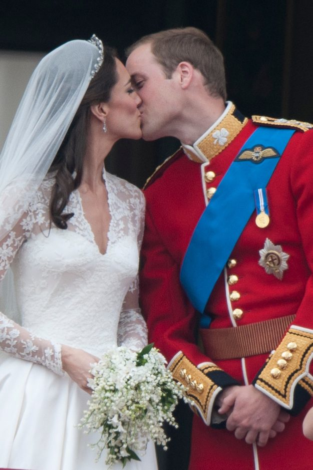 queen elizabeth s wedding dress value vs kate middleton s gown which cost more dianalegacy latest update news images videos of british royal family dianalegacy