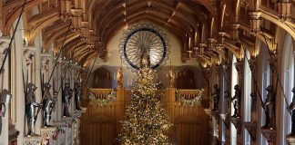 See the Queens incredible 20ft gold Christmas tree Photo C GETTY