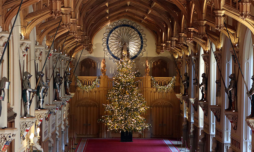 See the Queen's incredible 20ft gold Christmas tree Photo (C) GETTY