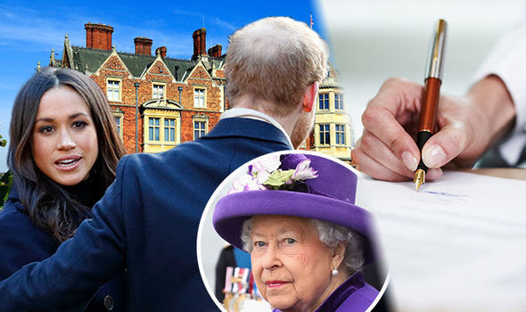Elizabeth II is reportedly pushing for a prenuptial agreement Photo (C) GETTY