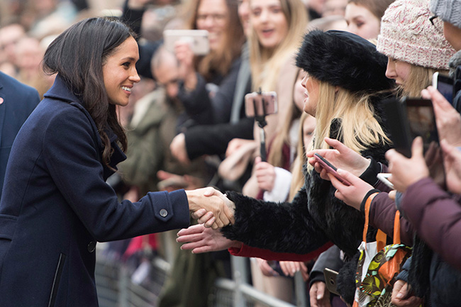 Meghan greets the public in Nottingham Photo (C) GETTY