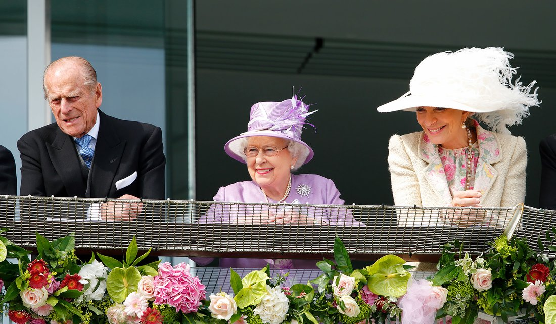 EPSOM, UNITED KINGDOM - JUNE 07: (EMBARGOED FOR PUBLICATION IN UK NEWSPAPERS UNTIL 48 HOURS AFTER CREATE DATE AND TIME) Prince Philip, Duke of Edinburgh, Queen Elizabeth II and Princess Michael of Kent watch the racing as they attend Derby Day of the Investec Derby Festival at Epsom Racecourse on June 7, 2014 in Epsom, England. (Photo by Max Mumby/Indigo/Getty Images)