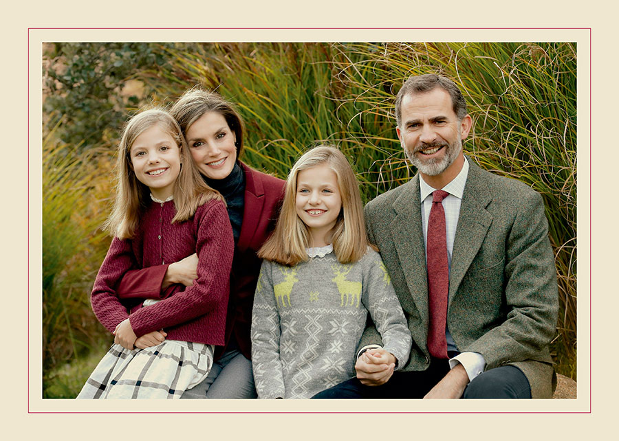 This handout picture provided by the Royal House Press department on December 13, 2016, shows the personal Christmas card of Their Majesties the King and the Queen, Her Royal Highness the Princess of Asturias and Her Royal Highness the Infanta Don Sofia, taken at the end of November in the Palace of La Zarzuela by the team of Photography of the House of His Majesty the King. (Photo by Casa de S.M. el Rey via Getty Images) Photo: © Getty Images
