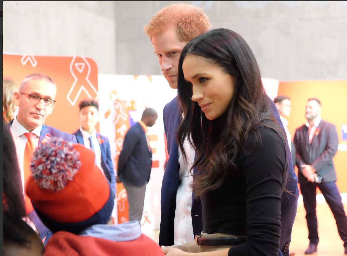Today Prince Harry and Ms. Markle learn how @THTorguk are working in Nottingham to provide support to people living with HIV and AIDS. Photo (C) KENSINGTON PALACE TWITTER