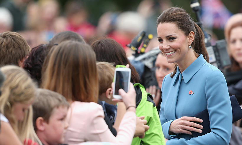 Why Kate is forbidden from signing autographs for fans Photo (C) GETTY