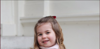 2 The Duke and Duchess of Cambridge are very pleased to share two photographs of Princess Charlotte at Kensington Palace this morning.Photo C TWITTER KENSINGTON PALACE
