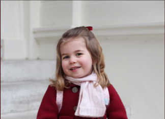 The Duke and Duchess of Cambridge are very pleased to share two photographs of Princess Charlotte at Kensington Palace this morning.Photo (C) TWITTER Kensington Palace
