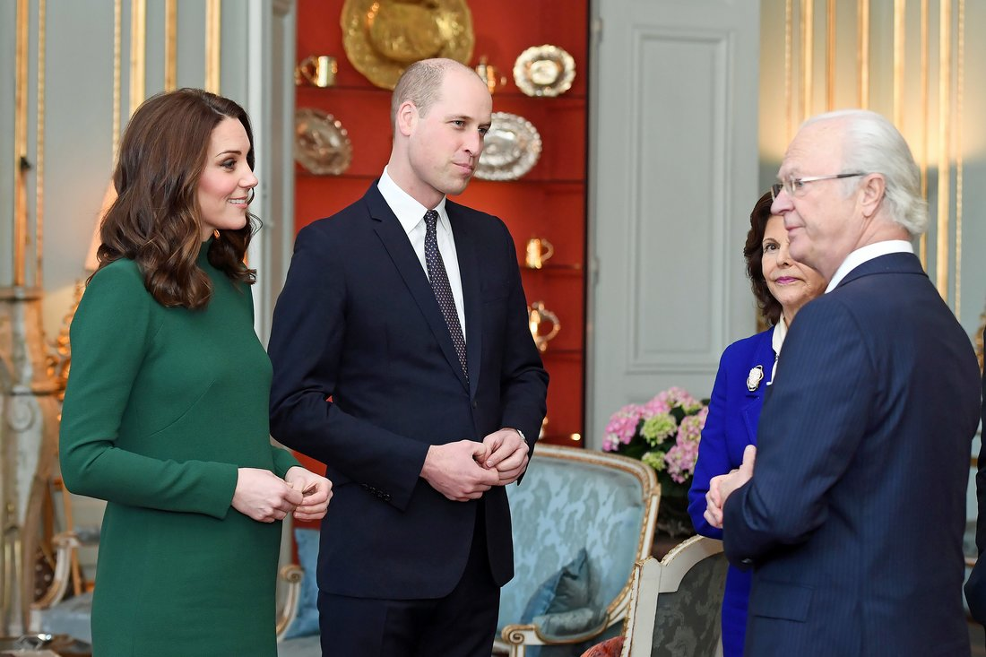 STOCKHOLM, SWEDEN - JANUARY 30: Catherine, Duchess of Cambridge and Prince William, Duke of Cambridge are greeted by King Carl XVI Gustaf of Sweden, Queen Silvia of Sweden ahead of a lunch at the Royal Palace of Stockholm during day one of their Royal visit to Sweden on January 30, 2018 in Stockholm, Sweden. (Photo by Victoria Jones-Pool/Getty Images)
