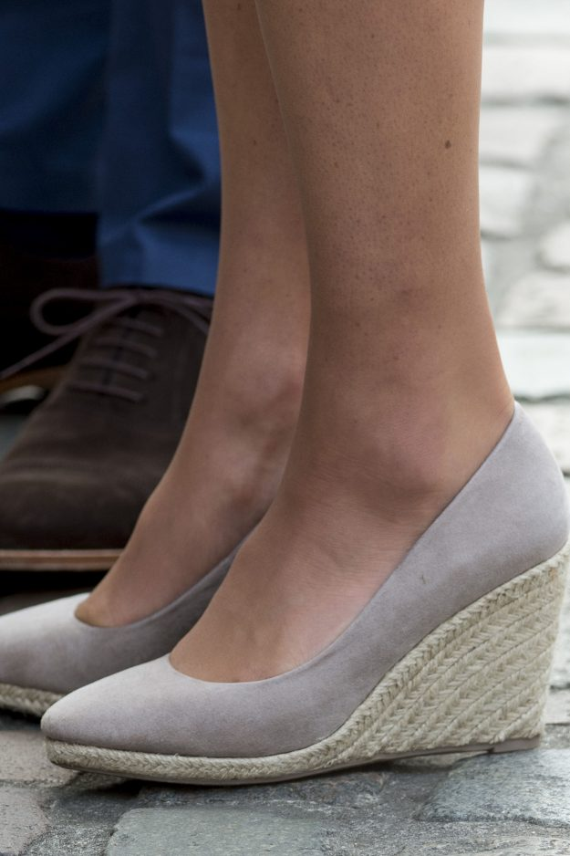 When around the Queen Kate Middleton will wear a court high heel Getty