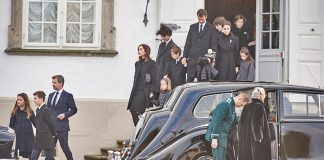Danish royals unite as Prince Henriks body is moved to Amalienborg palace Photo C GETTY