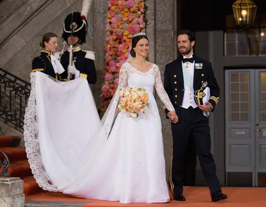 Prince Carl Philip of Sweden is seen with his new wife Princess Sofia of Sweden after their marriage ceremony at The Royal Palace Photo (C) GETTY IMAGES
