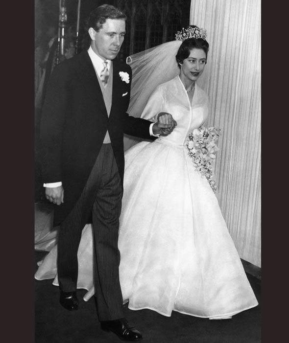 Princess Margaret and Antony Armstrong-Jones on their wedding day in 1960 Photo (C) AFP, GETTY IMAGES