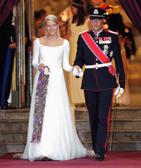 Princess Mette-Marit and Prince Haakon of Norway on their wedding in 2001 Photo (C) GETTY