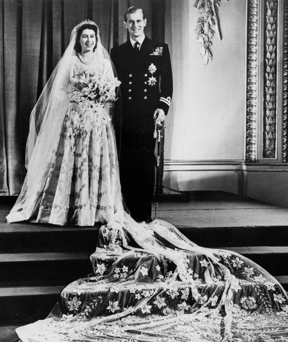 Queen Elizabeth II and The Duke of Edinburgh on their wedding day 20th November 1947 Photo (C) GETTY