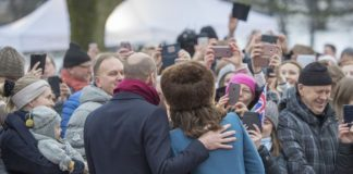The Duke and Duchess of Cambridge posed for photographs Photo C GETTY IMAGES