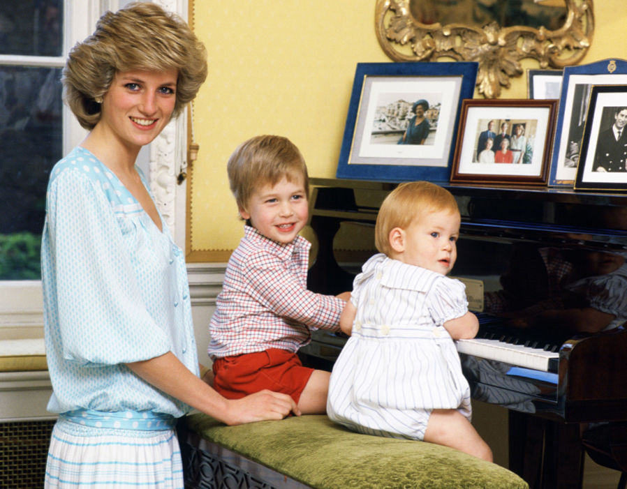 Princess Diana, Prince William, Prince Harry and Prince Charles Photo (C) GETTY