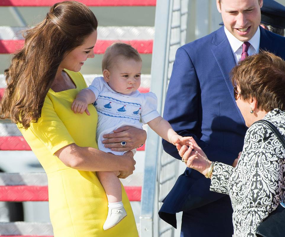 Prince William, Catherine Duchess of Cambridge, Prince George, and Princess Charlotte Family Photos (C) GETTY IMAGES