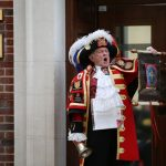 A town crier will announce the royal birth to the crowds and media gathered outside the hospital Photo C GETTY