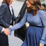 Kate looks stunning in royal blue Photo (C) WENN