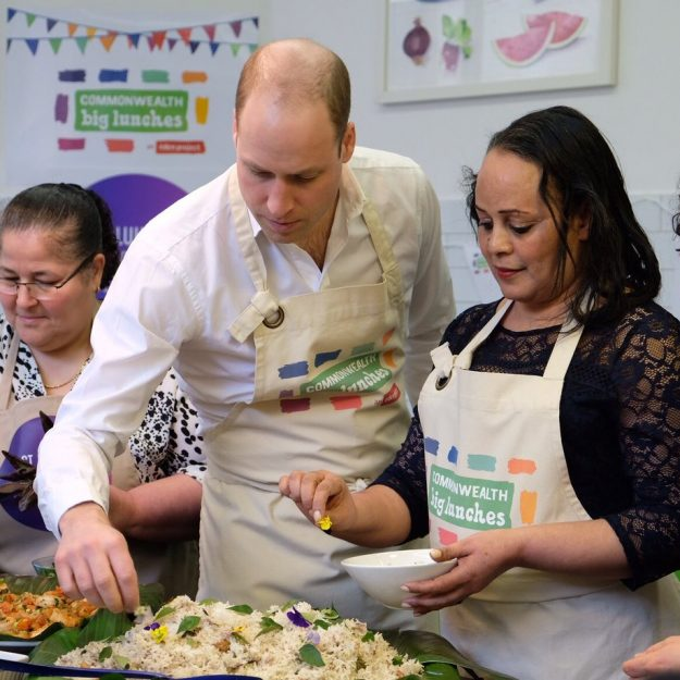 Prince William also assisted in the kitchen [Kensington Palace,Twitter]