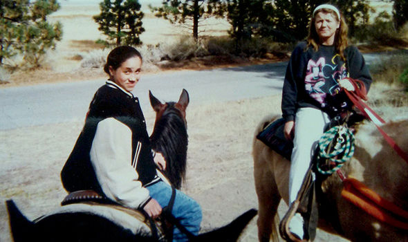 Meghan Markle riding a horse during a California trip with her father Photo (C) COLEMAN-RAYNER