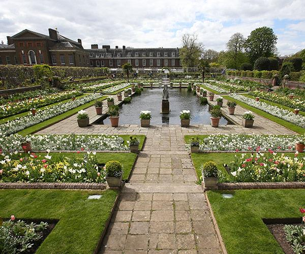 The stunning White Garden. Photo (C) GETTY