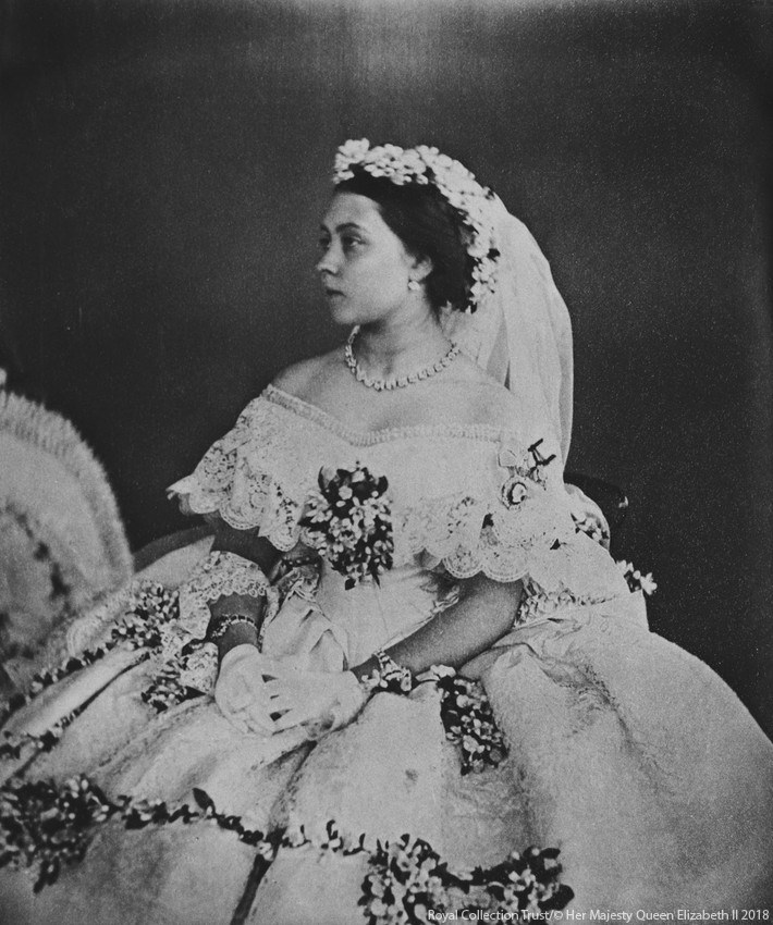 Royals Wedding Dress Photo (C) GETTY