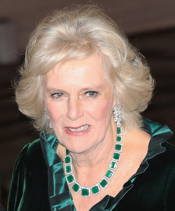 Camilla Parker Bowles She has a collect Photo (C) GETTY