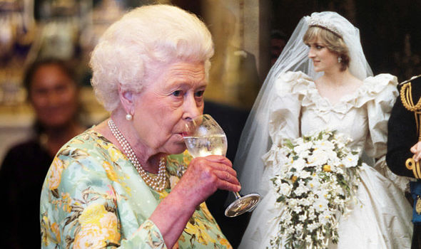 Princess Diana Prince Charles' bride had two bouquets at her wedding thanks to the Queen Photo (C) GETTY