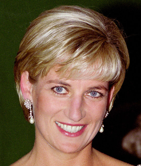 Princess Diana She was given these beautiful earrings as a wedding gift by the Emir of Qatar Photo (C) GETTY